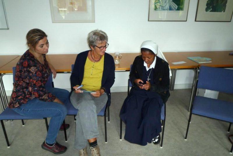 Frauen dreier Kontinente im Gespräch