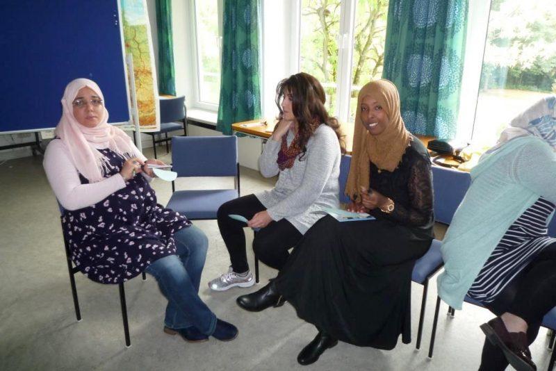 Frauen dreier Nationen im Gespräch