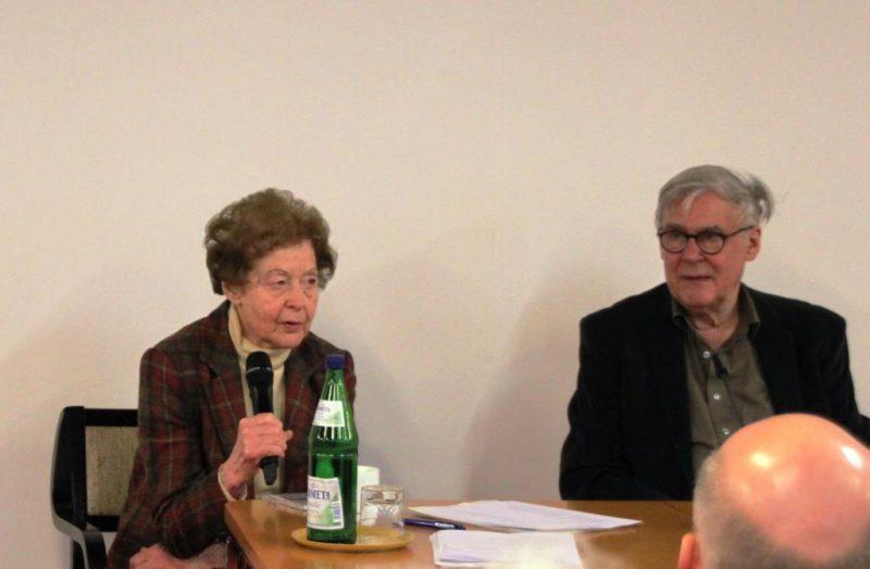 Frau Dr. Anna Ulrich im Gespräch mit Dr. Arnd Friedrich