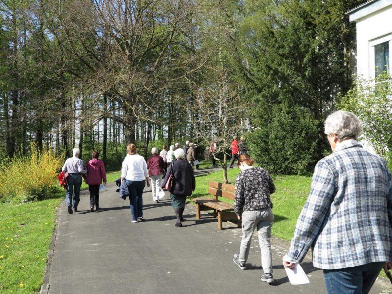 Karfreitag: Meditativer Rundgang durch den  Hegge-Park