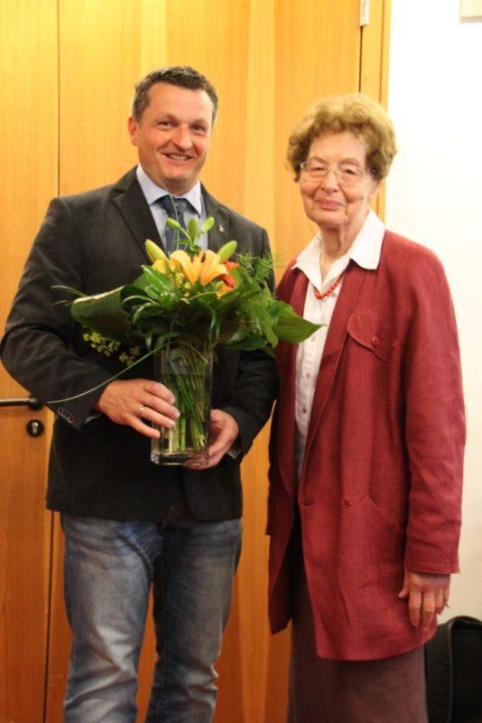 Der Bürgermeister gratuliert