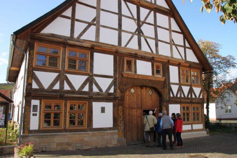 Pause im Webereimuseum Gieselwerder