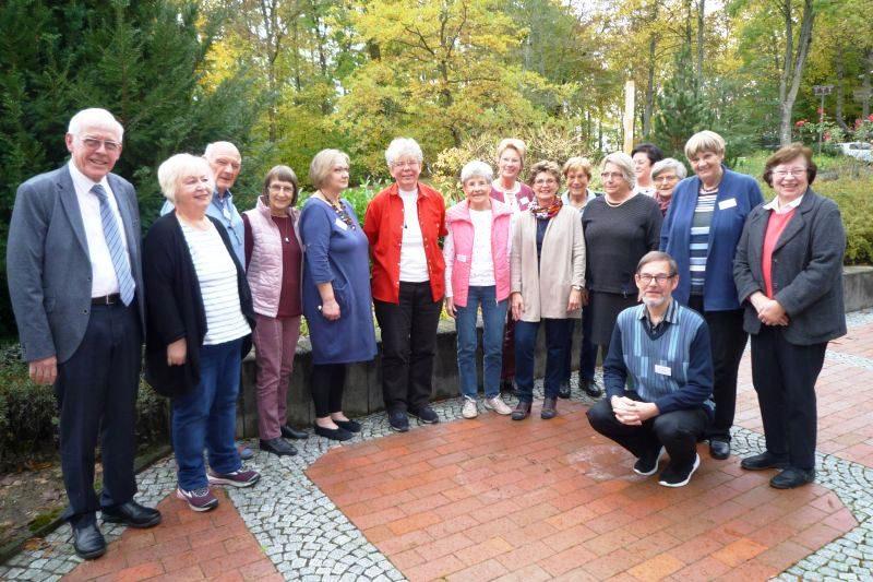 Gruppenbild mit Dr. Norbert Ernst