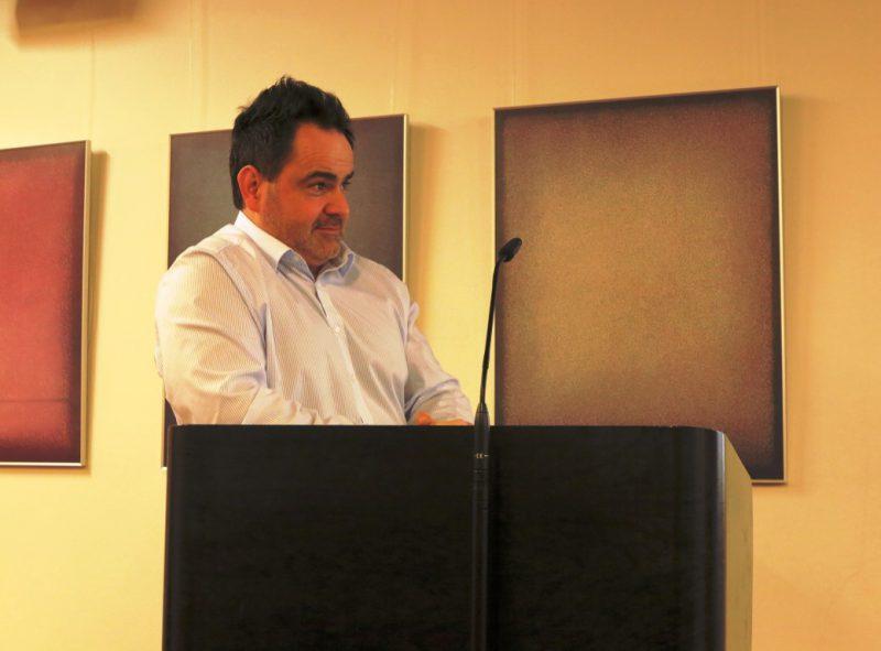 Dr. jur. Timo Faltus bei seinem Vortrag