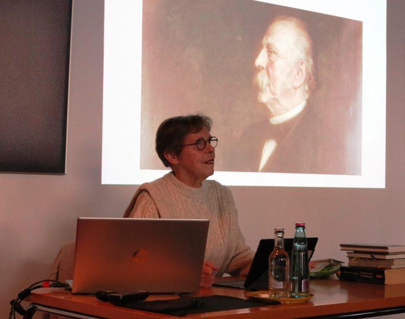 Th. Fontane von Frau Hennecke präsentiert: So eine Deutschlehrerin hätten alle gerne gehabt