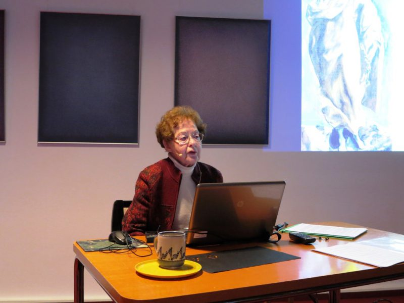 Frau Anna referiert über Heilige in der Kunst