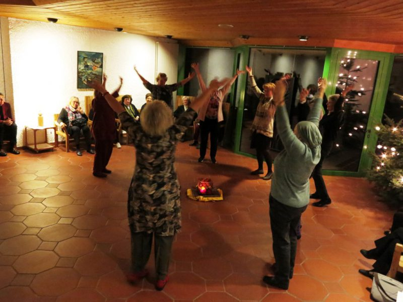 Die Tänzerinnen bei der Vorführung