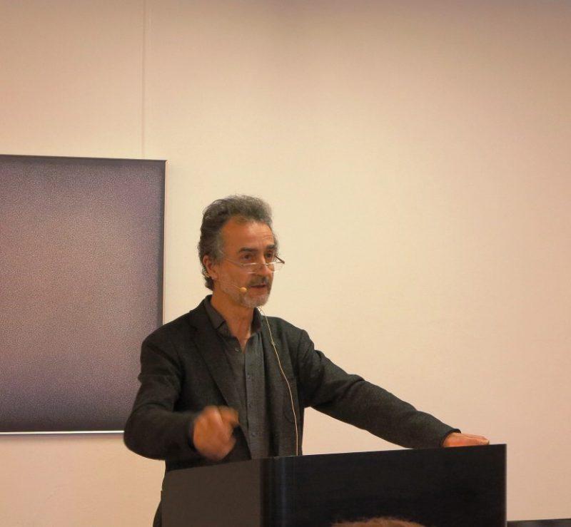 Prof. Dr. Ömer Özsoy bei seinem Vortrag