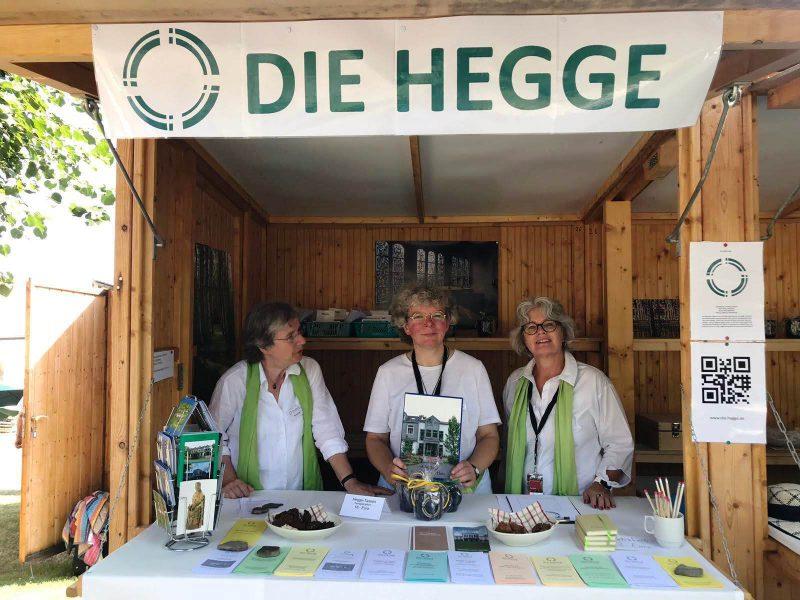 G. Bär, D. Feldmann und S. Münch informieren die Besucher