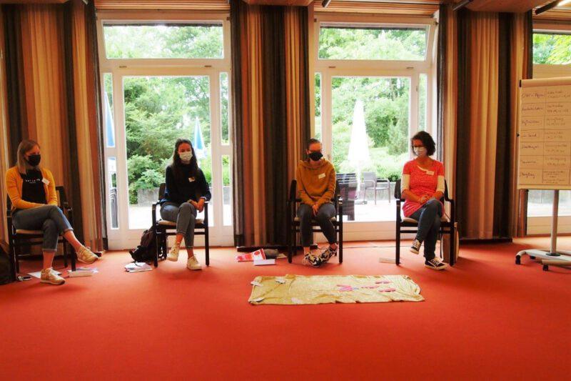 Interessierte Teilnehmerinnen