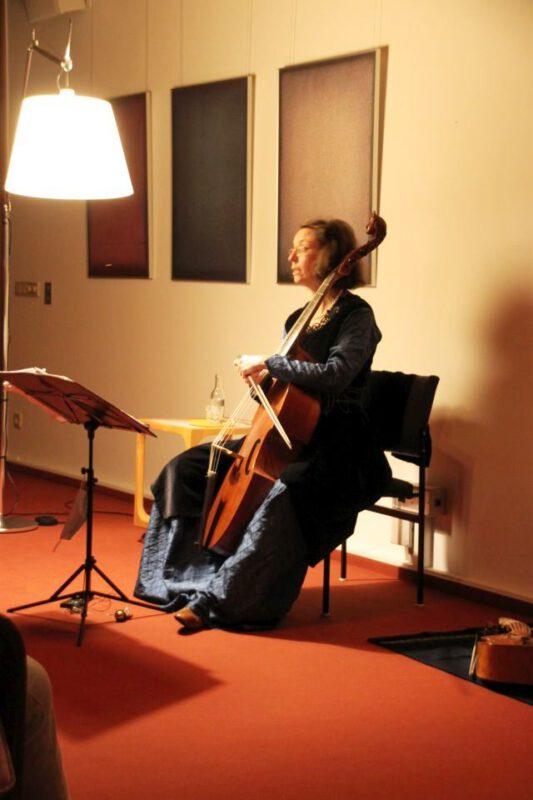 Martina Kirchhof moderiert