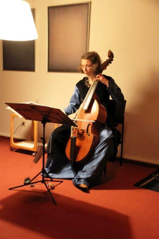 M. Kirchhof mit Barock-Viola da Gamba