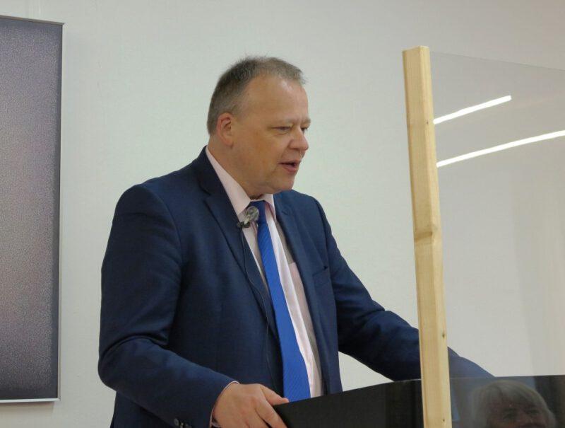Prof. Dr. Brose bei seinem Referat