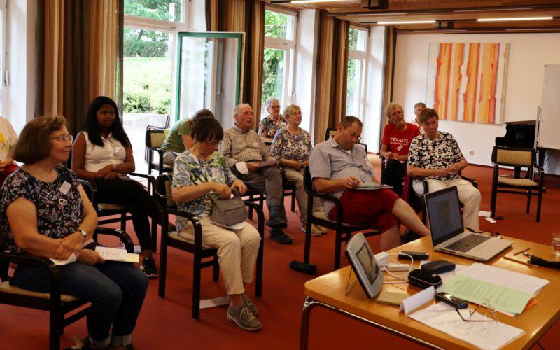 Interessierte Teilnehmer und Teilnehmerinnen